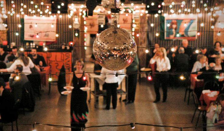Gran ballo d'estate in Piazza Tirana