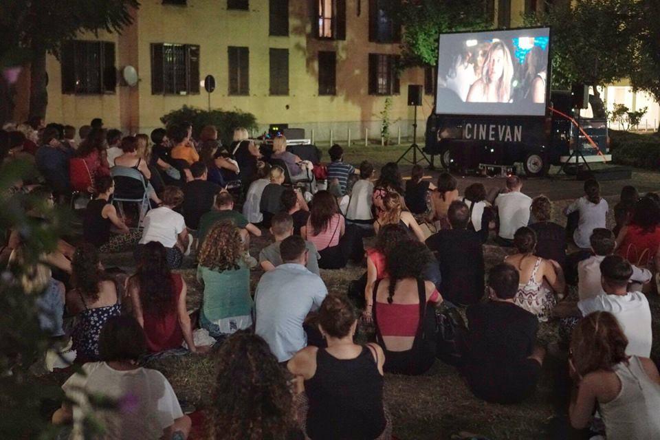 Cinevan: cinema itinerante in Colonne