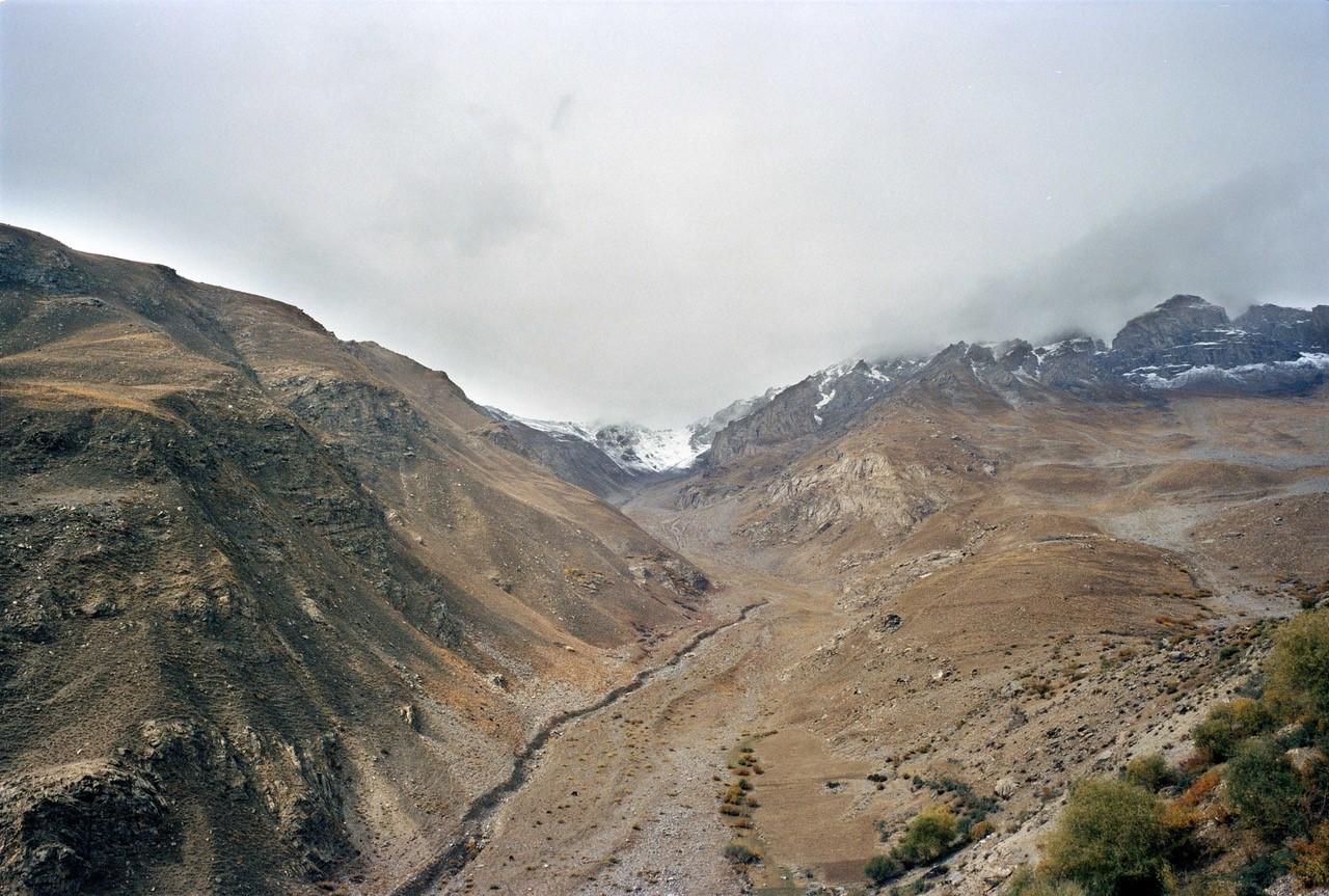 Installazione con musica live e vista sul Pamir