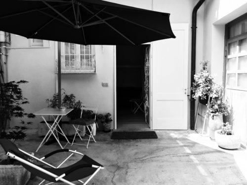 Residenze Insensate #2: aperitivo e doccia con l'artista